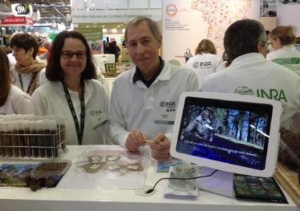 55e Salon de l'agriculture, porte de Versailles à Paris, stand inra ressources génétiques