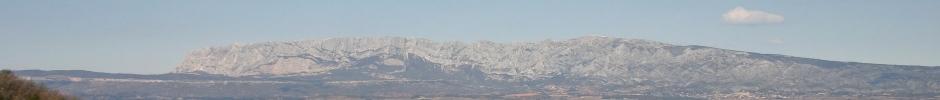 Montagne Sainte-Victoire vue de Trets_Photo prise en février 2005 par Henri Michel_cc0