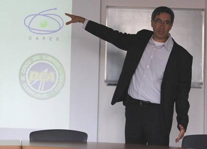 Professeur Vilas Boas à l'INRA d'Avignon